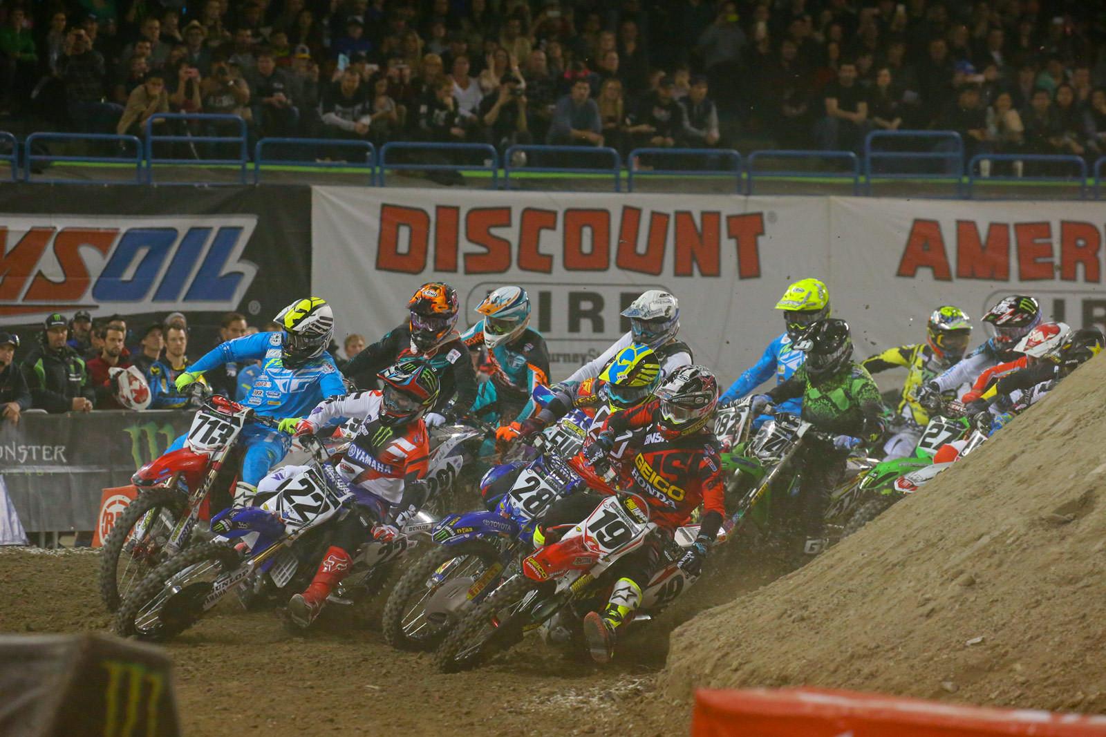 450 Heat Race One Start - Photo Blast: Toronto - Motocross Pictures - Vital MX