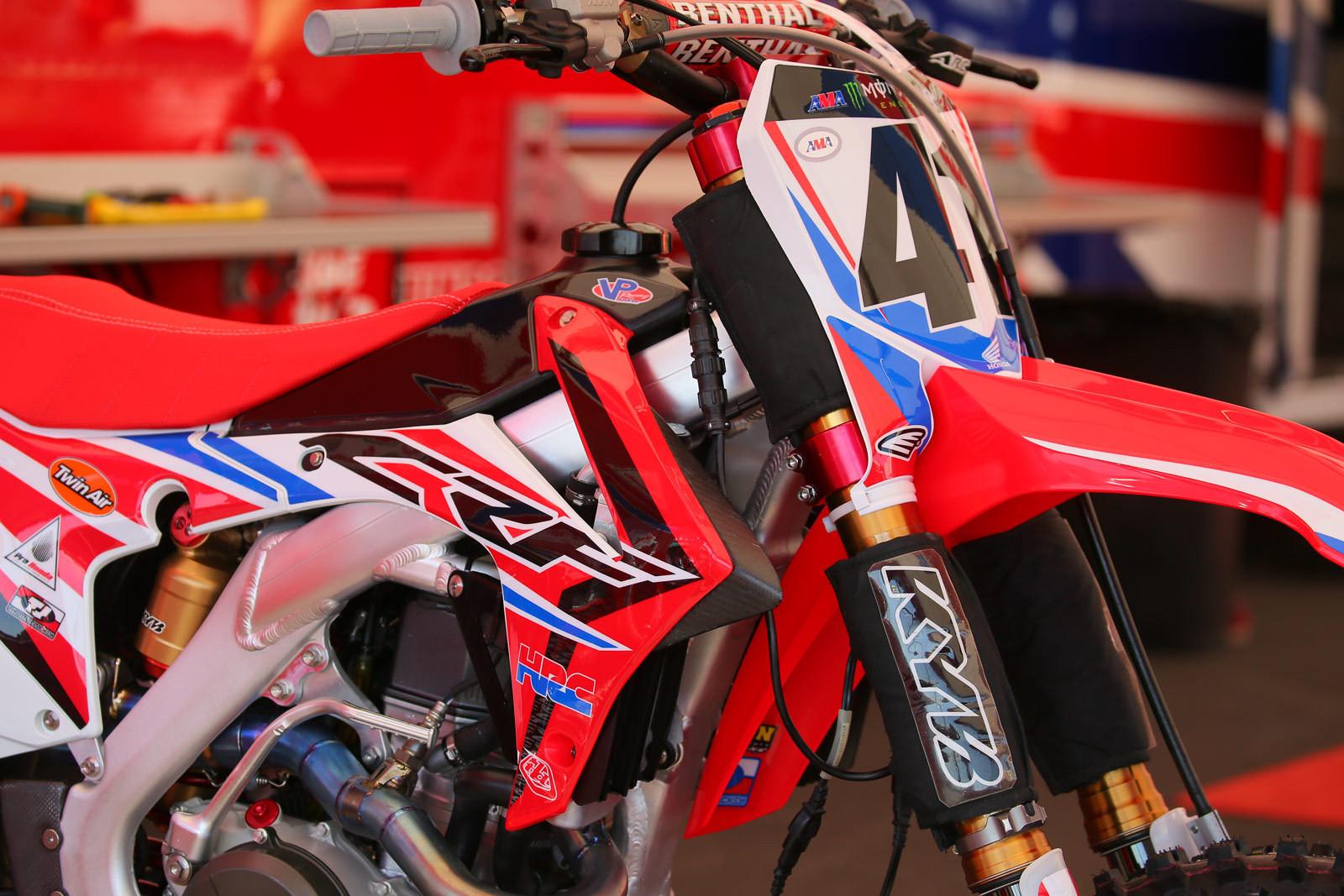 Trey Canard - Pit Bits: Santa Clara - Motocross Pictures - Vital MX