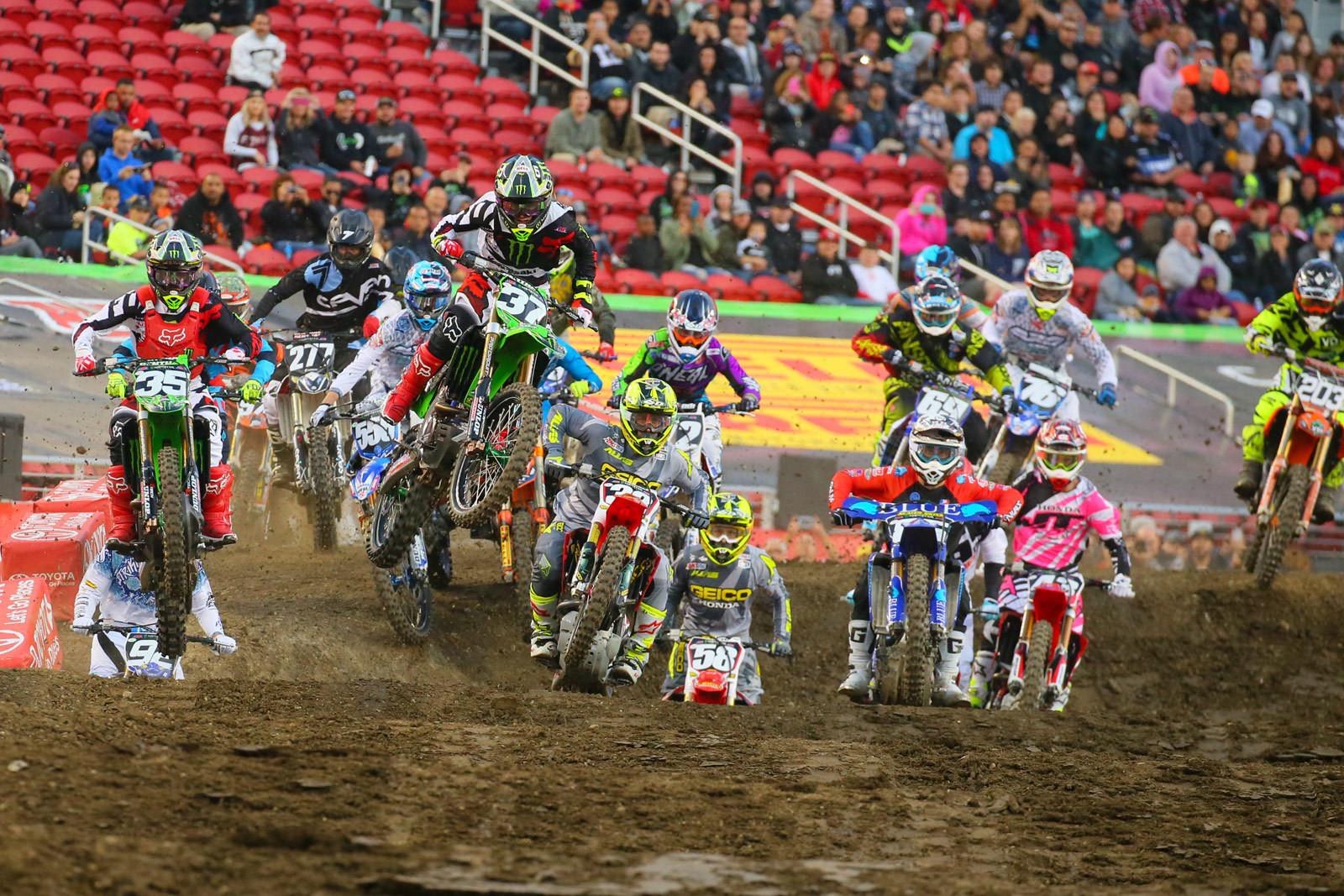 250 Heat Race One Start - Photo Blast: Santa Clara - Motocross Pictures - Vital MX