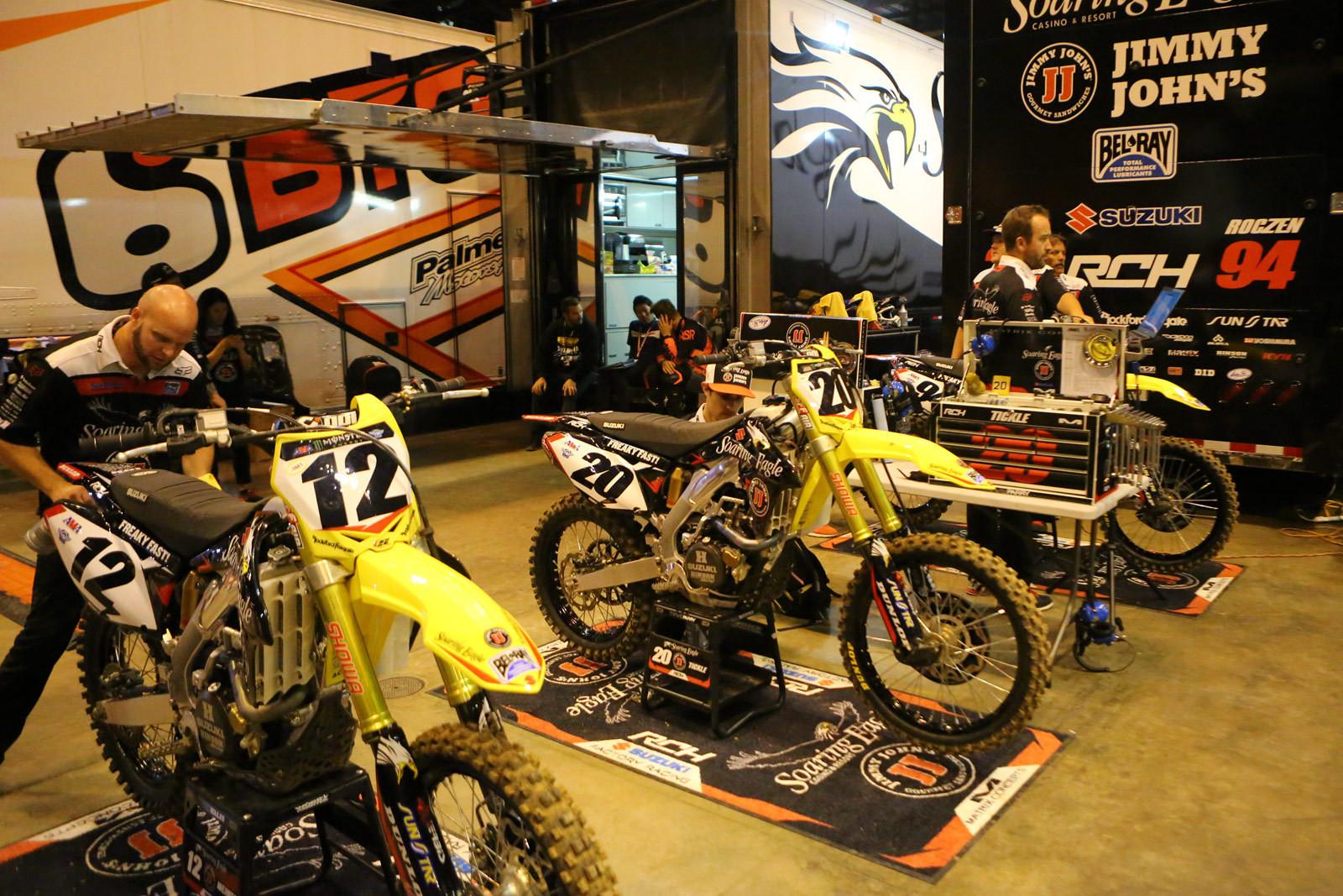 RCH Soaring Eagle/Jimmy Johns/Suzuki Factory Racing - Vital MX Pit Bits: St. Louis - Motocross Pictures - Vital MX