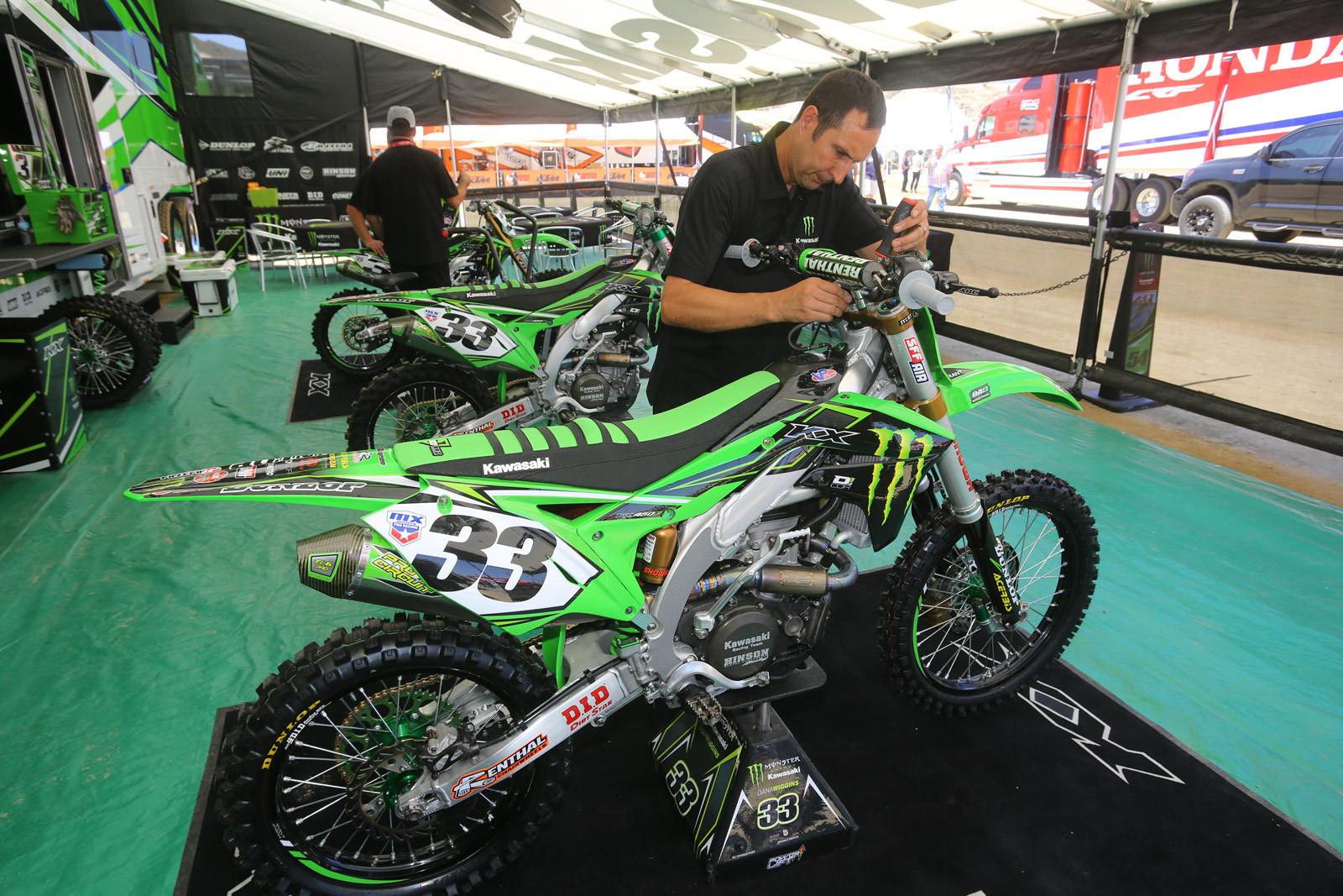 Josh Grant and Dana Wiggins - Vital MX Pit Bits: Glen Helen - Motocross Pictures - Vital MX
