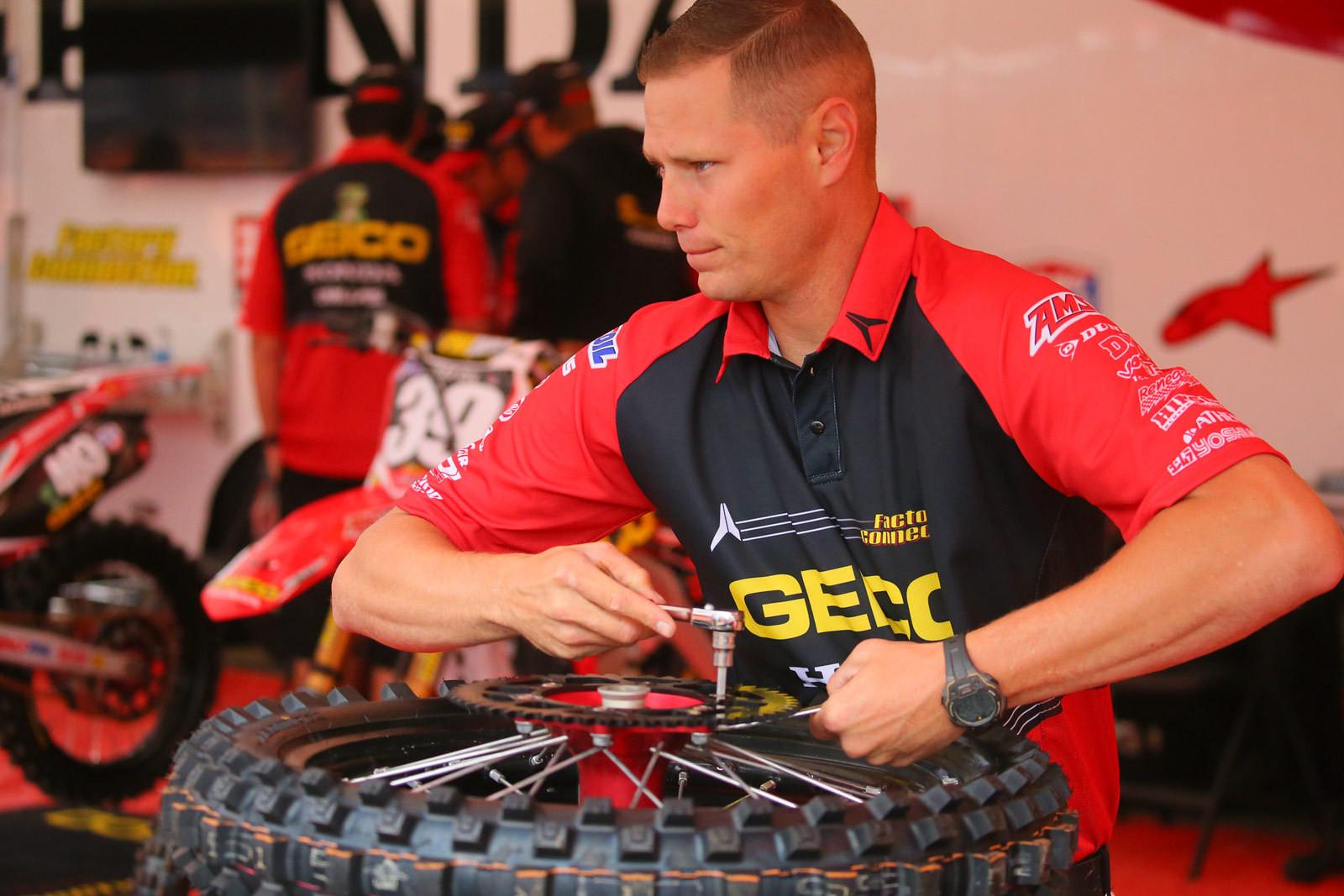 Derik Dwyer - Vital MX Pit Bits: Glen Helen - Motocross Pictures - Vital MX
