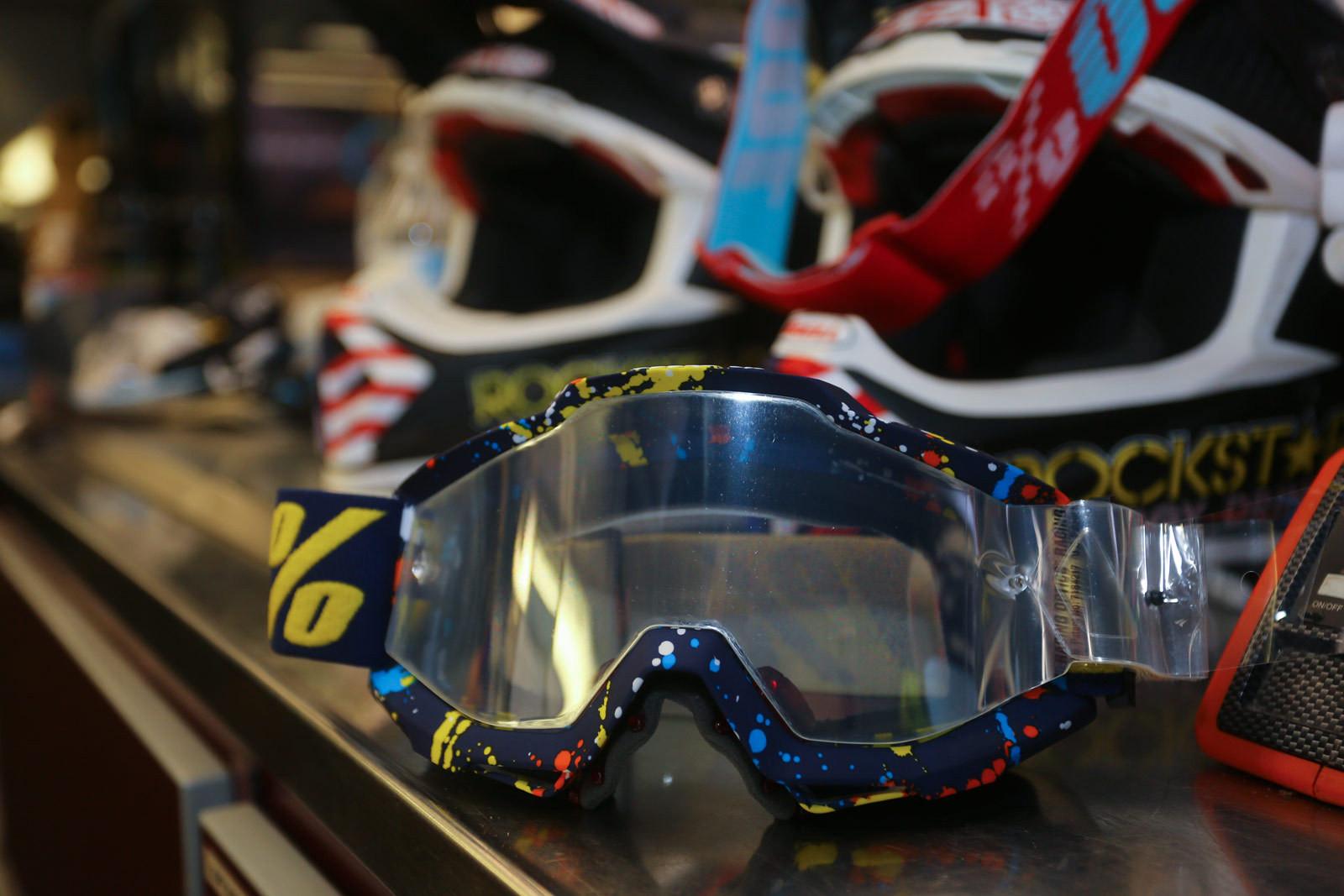 2017 100% - Vital MX Pit Bits: Washougal - Motocross Pictures - Vital MX