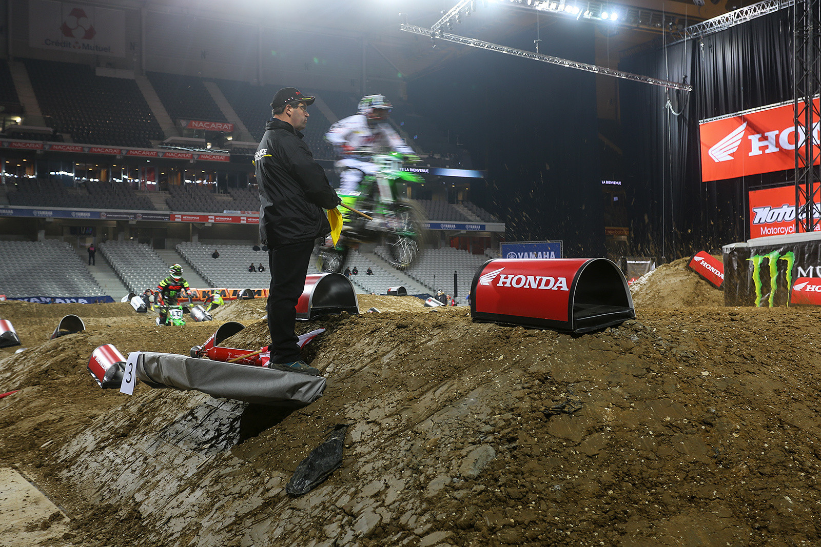 Flag stands - Photo Gallery: Saturday at the Paris-Lille Supercross - Motocross Pictures - Vital MX