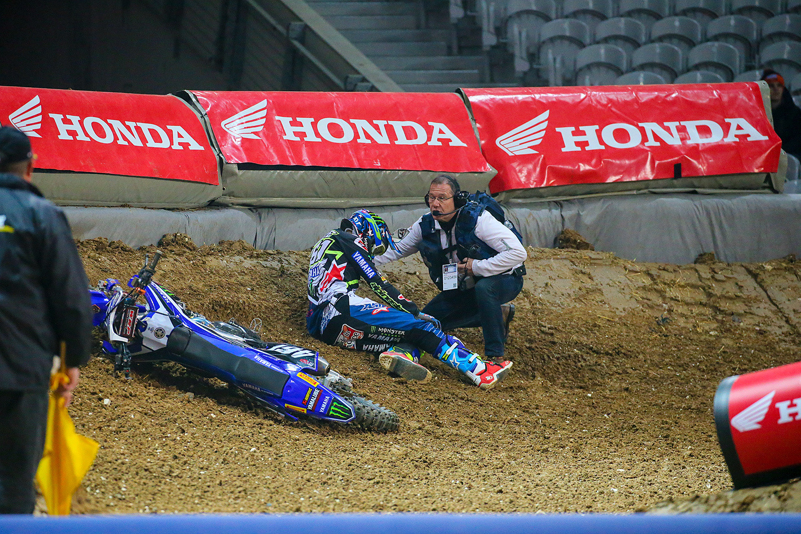 Romain Febvre - Photo Gallery: Saturday at the Paris-Lille Supercross - Motocross Pictures - Vital MX