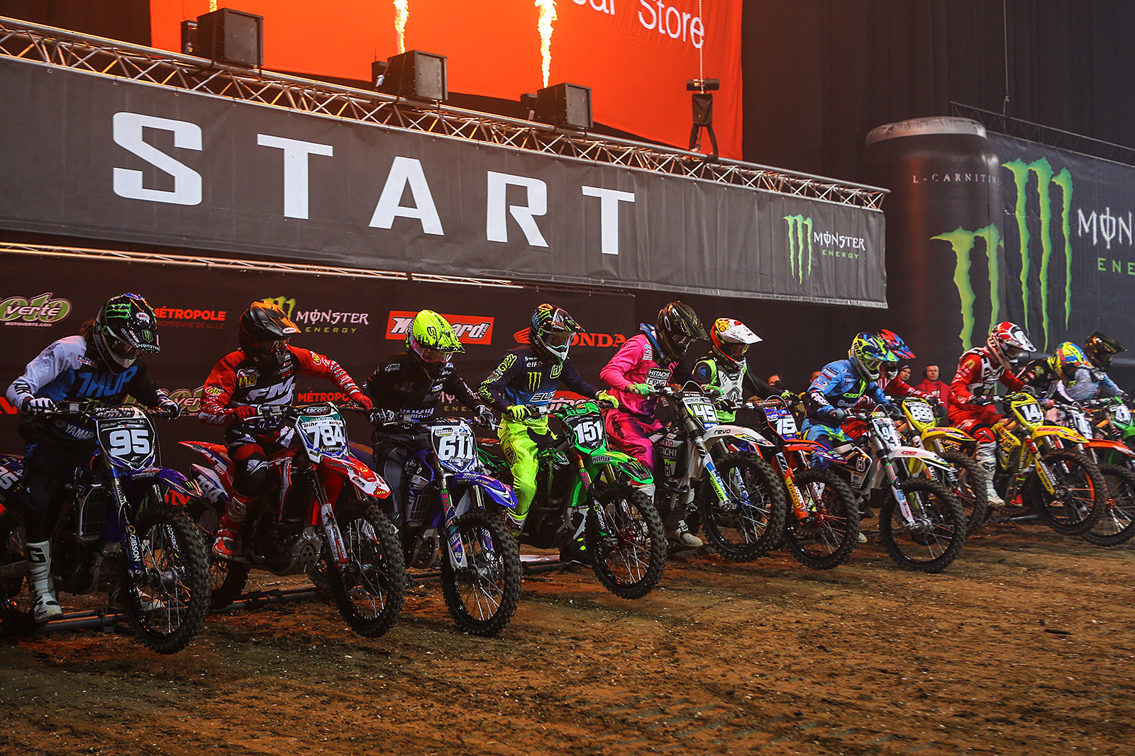 250 Heat 1 - Photo Gallery: Saturday at the Paris-Lille Supercross - Motocross Pictures - Vital MX