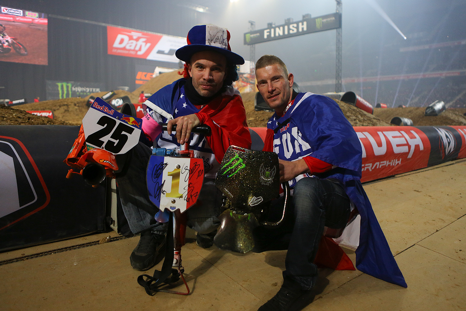 Bring the noise - Photo Gallery: Saturday at the Paris-Lille Supercross - Motocross Pictures - Vital MX