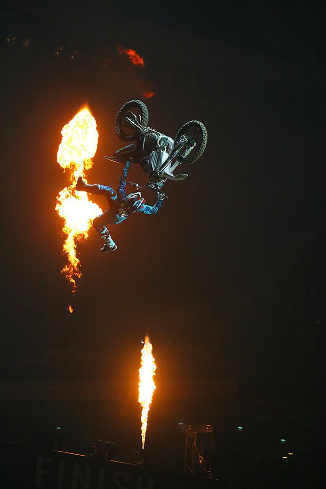 Genki Watanabe - Photo Gallery: Paris-Lille Supercross, Day 2 - Motocross Pictures - Vital MX