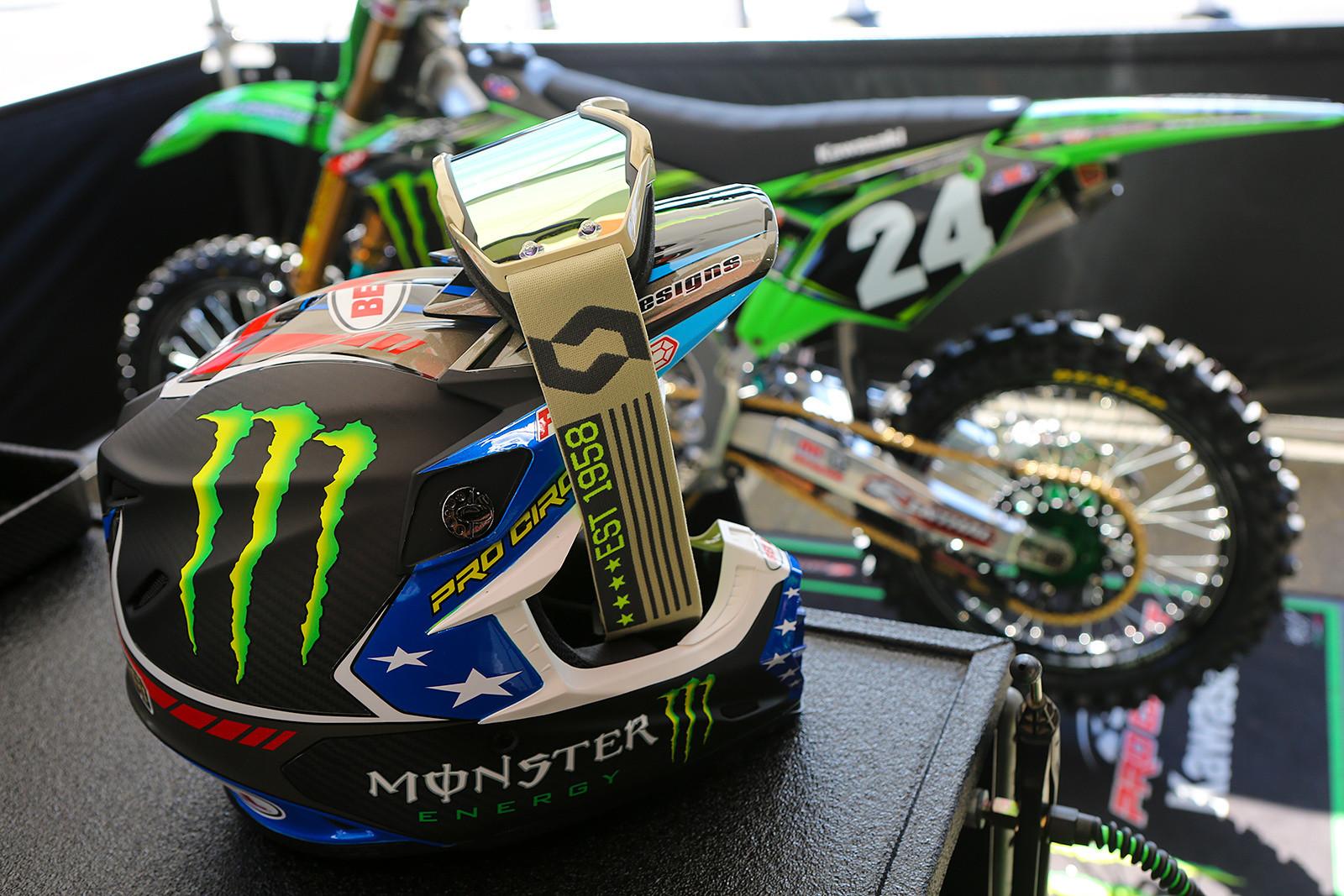 Vital MX Pit Bits: San Diego Military Appreciation Race - Vital MX Pit Bits: San Diego - Motocross Pictures - Vital MX