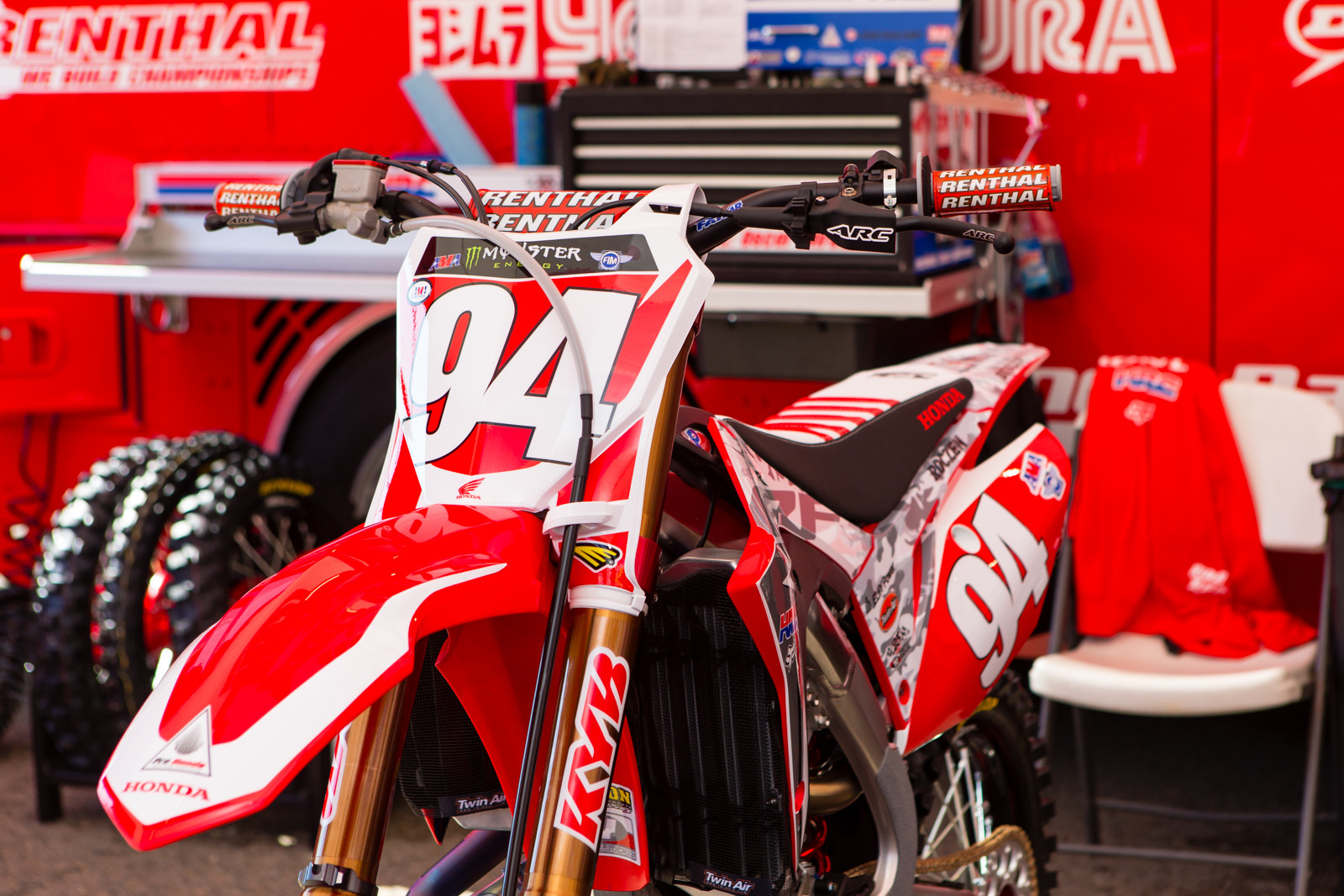 Red Plate - Vital MX Pit Bits: San Diego - Motocross Pictures - Vital MX
