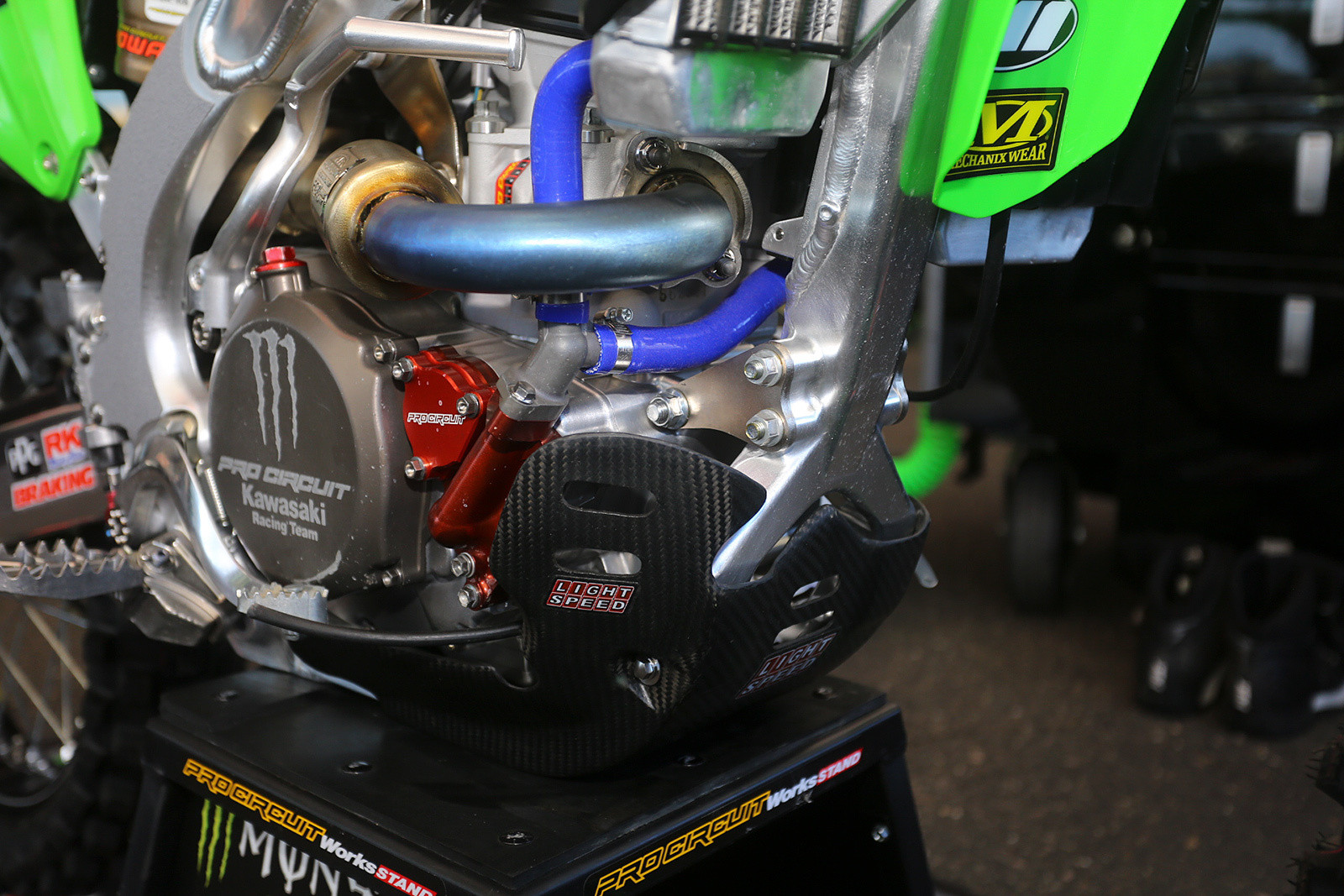 More carbon - Vital MX Pit Bits: Glendale - Motocross Pictures - Vital MX
