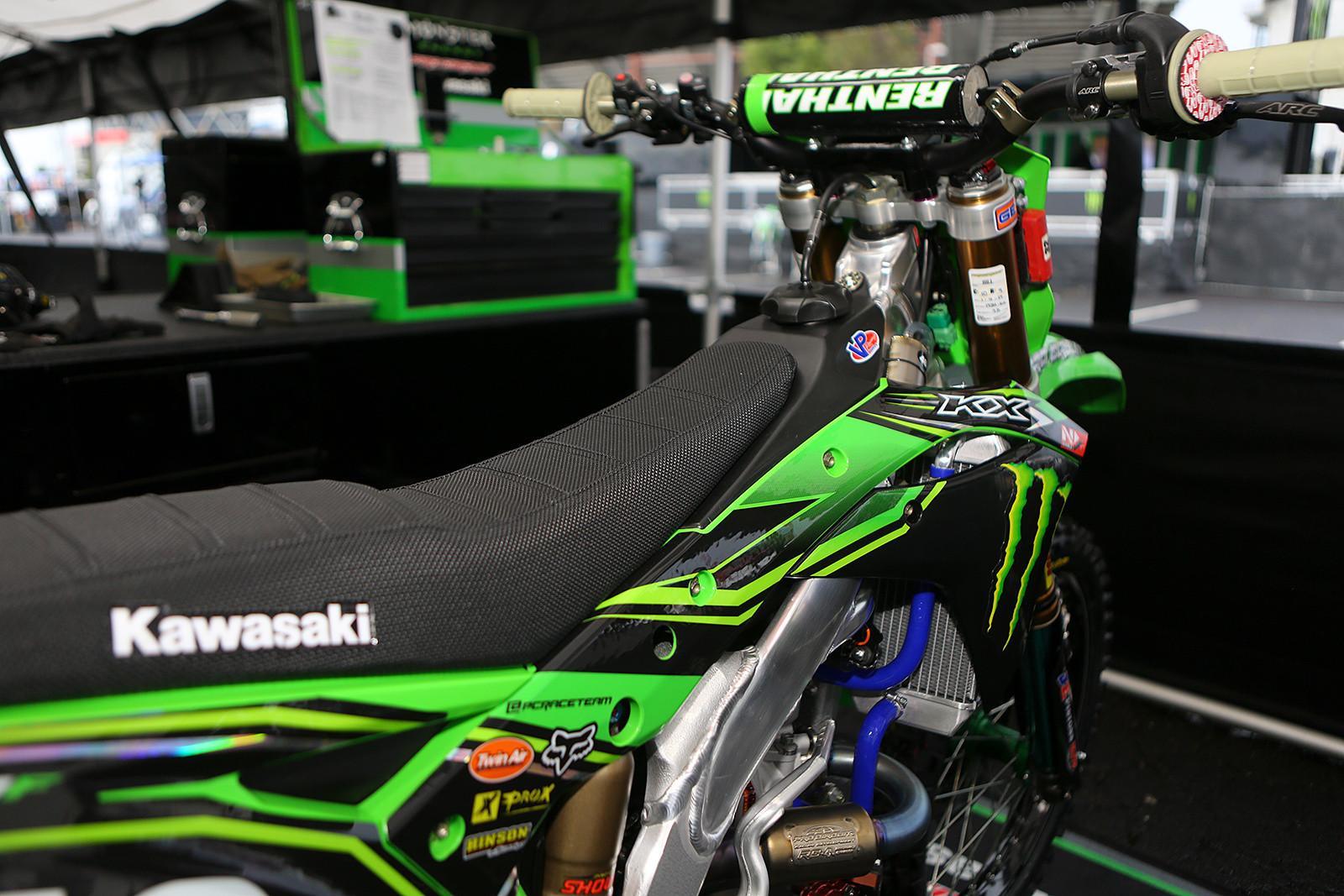 Justin Hill - Vital MX Pit Bits: Oakland - Motocross Pictures - Vital MX
