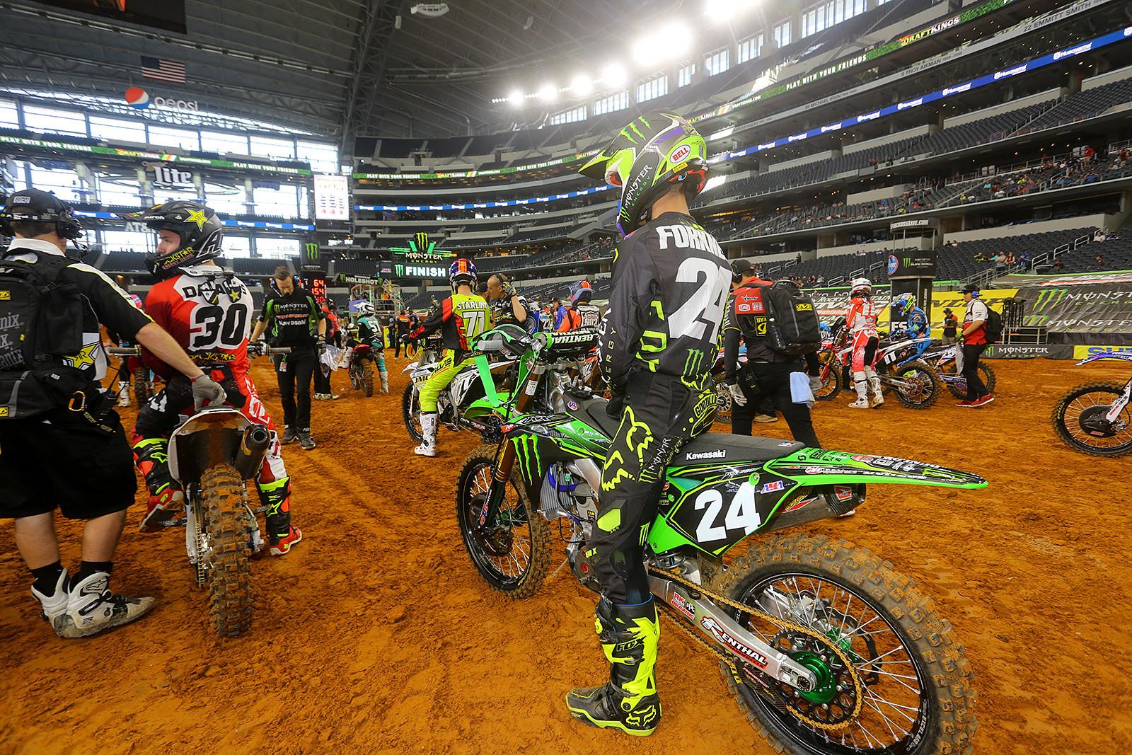 Pit Bits: In AT&T Stadium - Vital MX Pit Bits: Arlington - Motocross Pictures - Vital MX