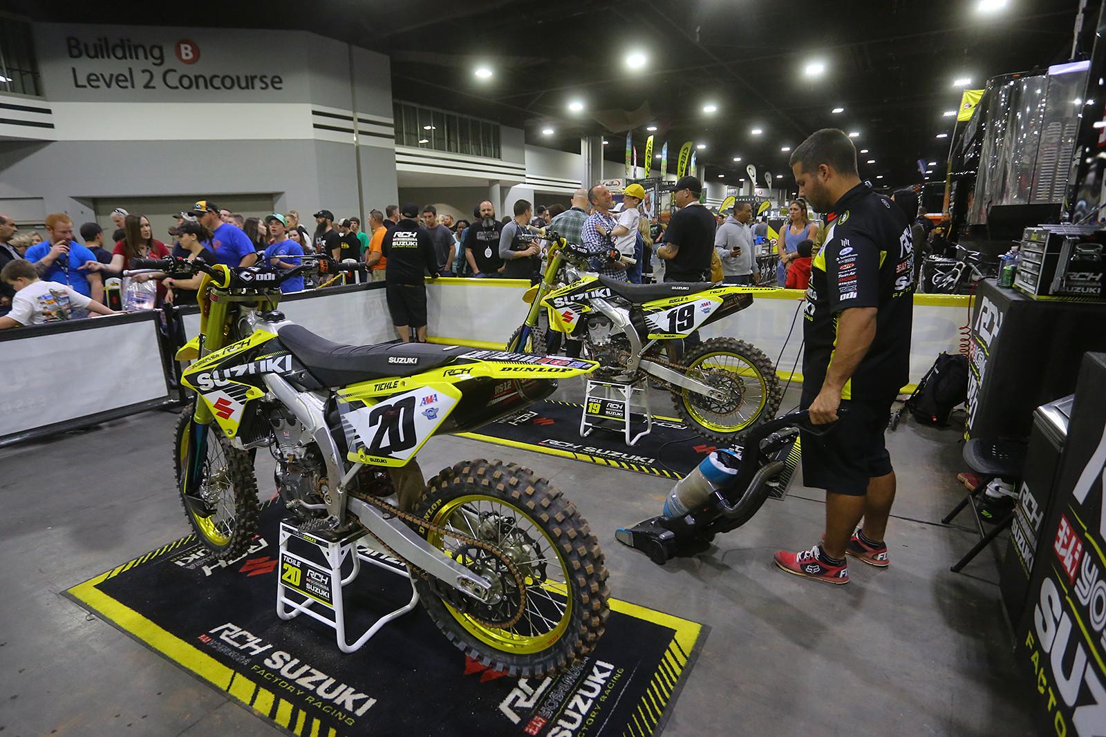 Clean up - Vital MX Pit Bits: Atlanta - Motocross Pictures - Vital MX