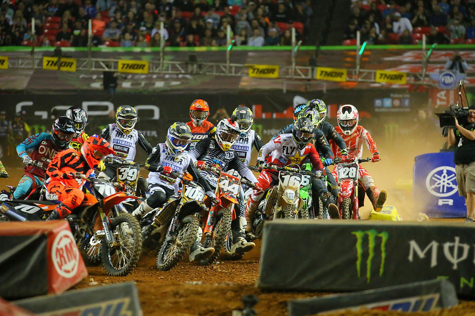 250 Main Event Start - Photo Blast: Atlanta Supercross - Motocross Pictures - Vital MX