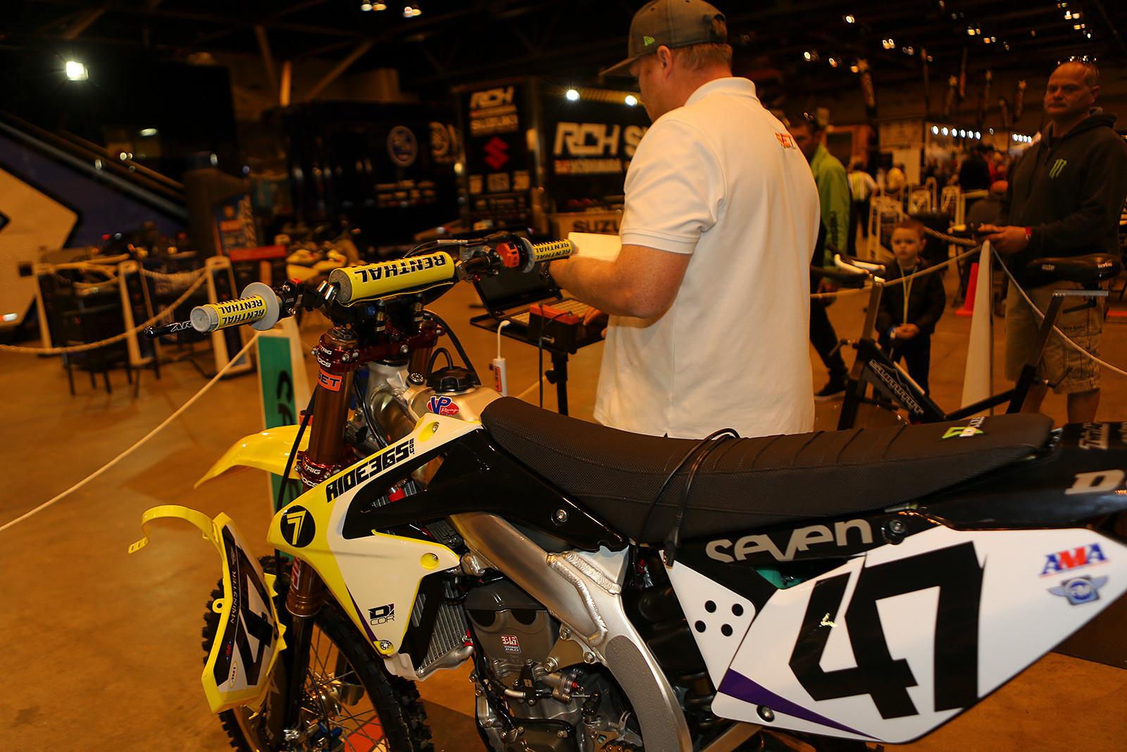 Dan Truman - Pit Bits: St. Louis - Motocross Pictures - Vital MX