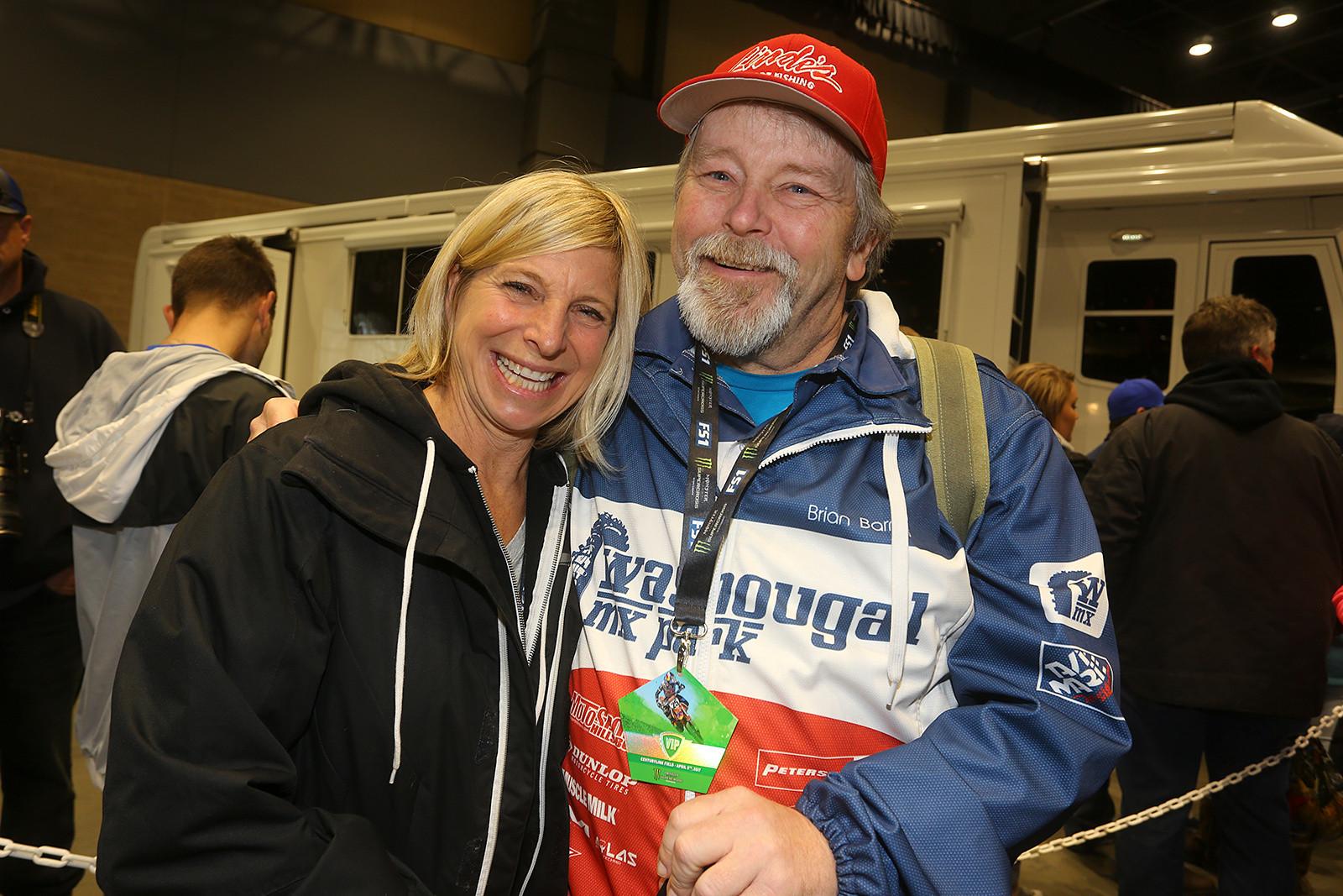 Brian Barnes and Kristi Kucera - Vital MX Pit Bits: Seattle - Motocross Pictures - Vital MX