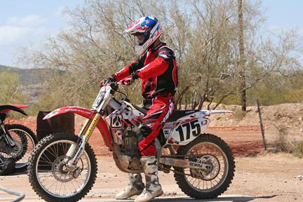 starts - shadow - Motocross Pictures - Vital MX