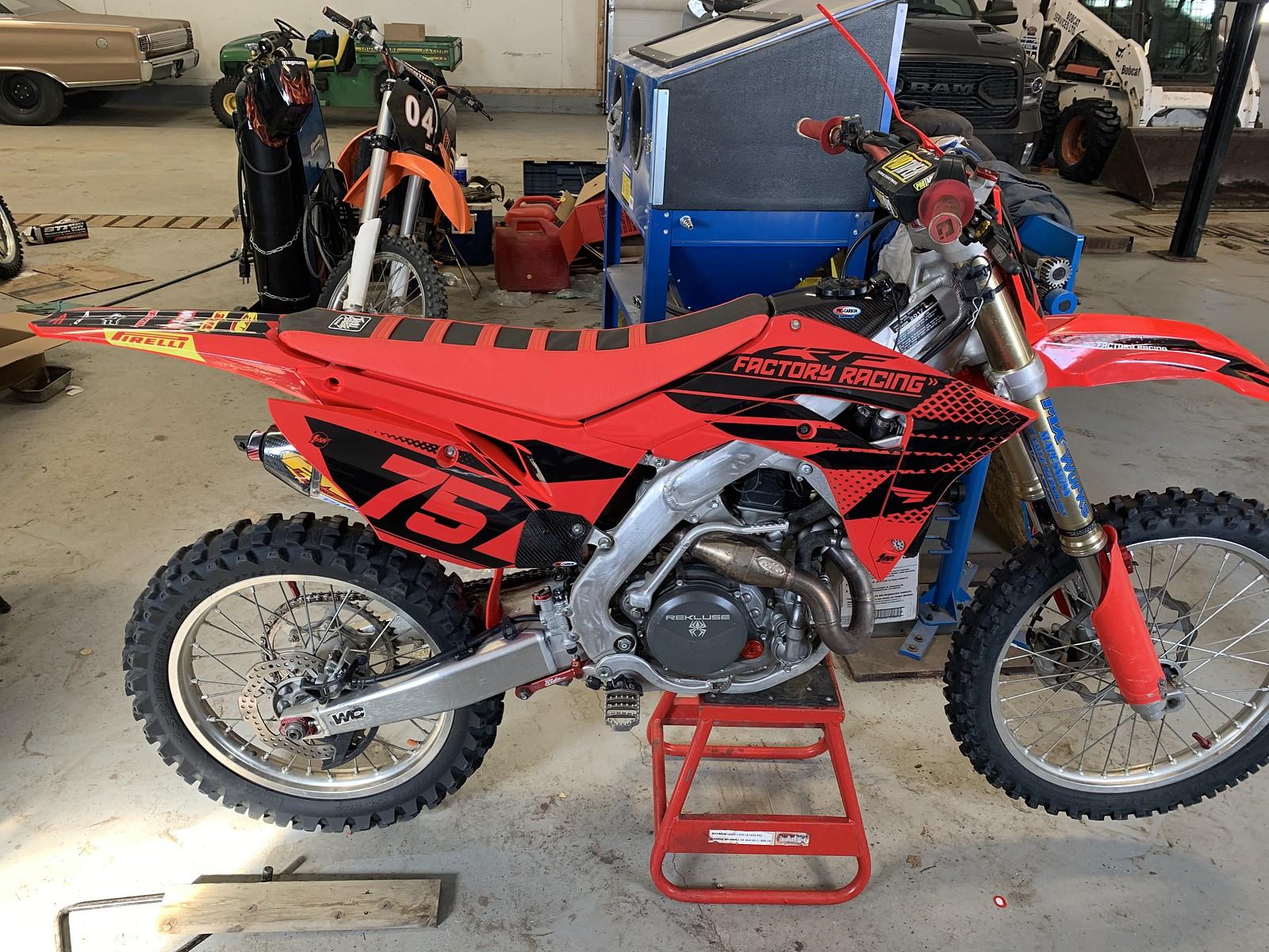 62F71F93-CE22-4A0D-AFDF-29323472C565 - whitechapel44 - Motocross Pictures - Vital MX
