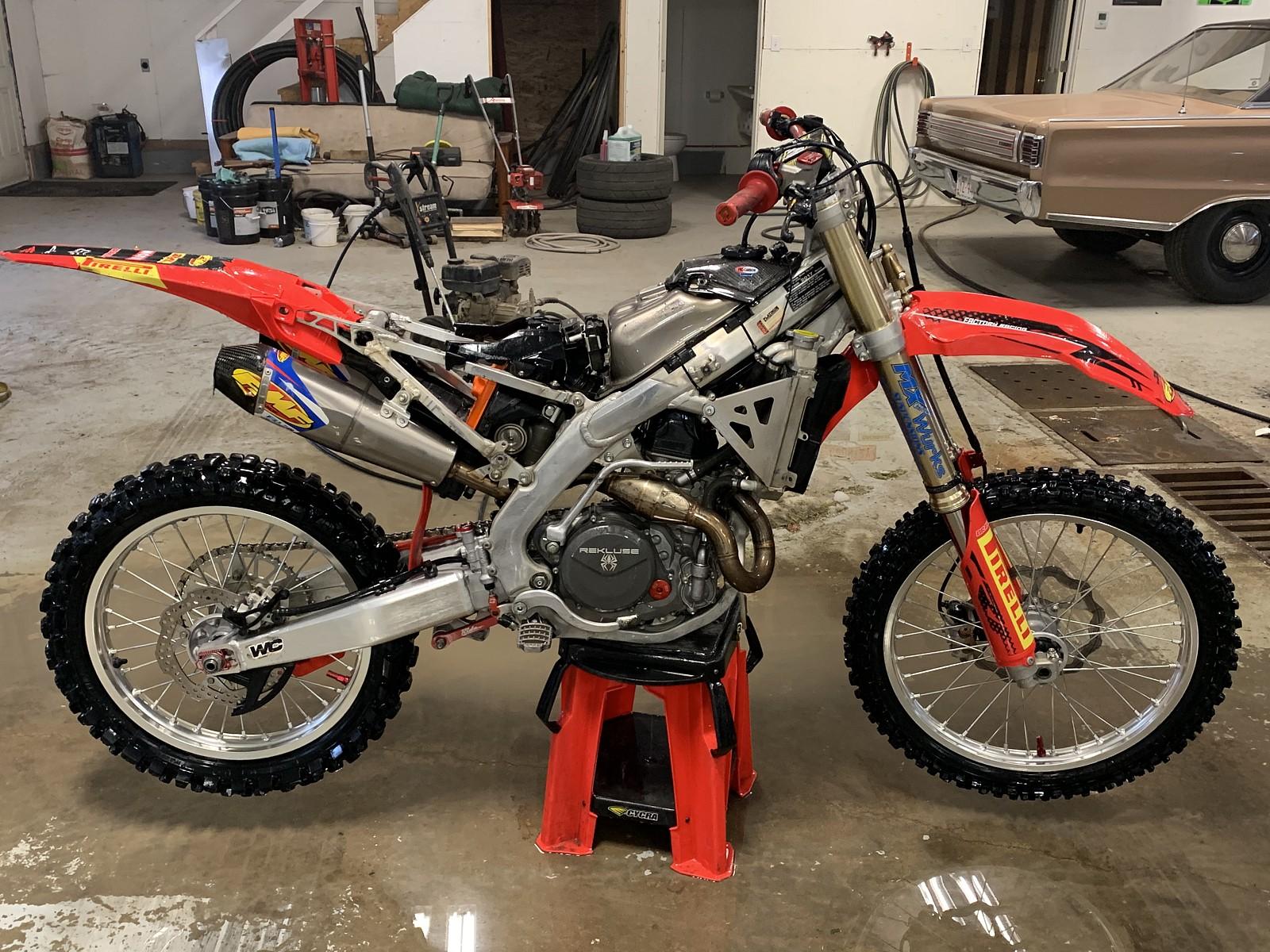 A1EDB97E-14C3-43B7-B444-05F8D8A1834C - whitechapel44 - Motocross Pictures - Vital MX