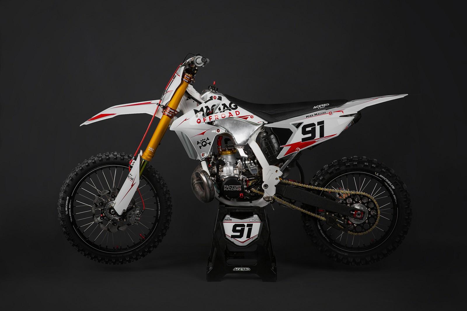 Suzuki RM 250 1 - Mike Maciag - Motocross Pictures - Vital MX