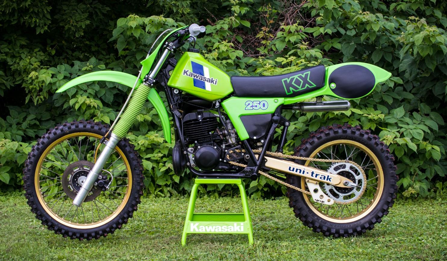 1982 Kawasaki KX250 - GForce MMG - Motocross Pictures - Vital MX